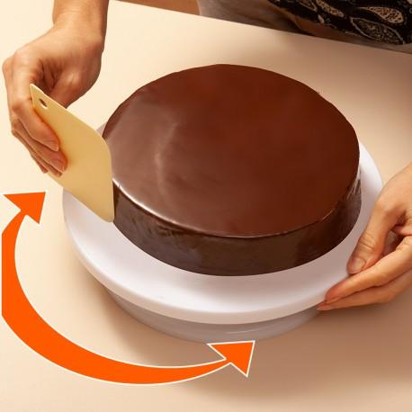 Forgatható sütitartó tál