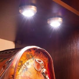 Univerzális öntapadó lámpa